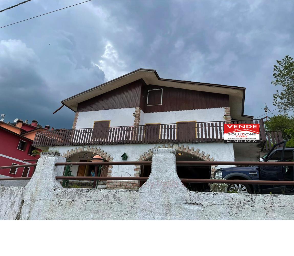 Villa bifamiliare a Rubbio
